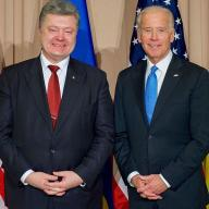 Joe Biden et Petro Porochenko en meeting